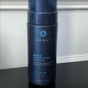 Monat Moxie Magnifying Mousse